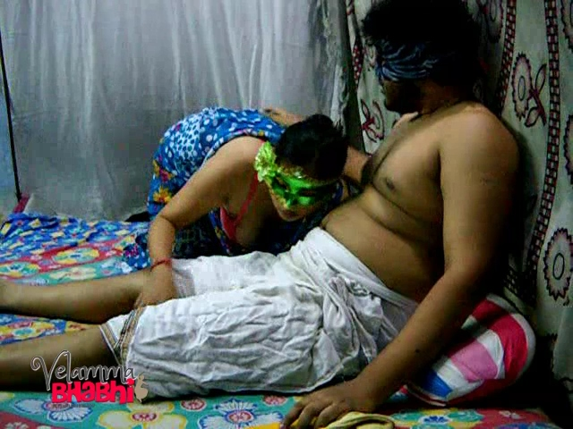 Velamma 11. Velamma bhabhi getting punished for not giving hot